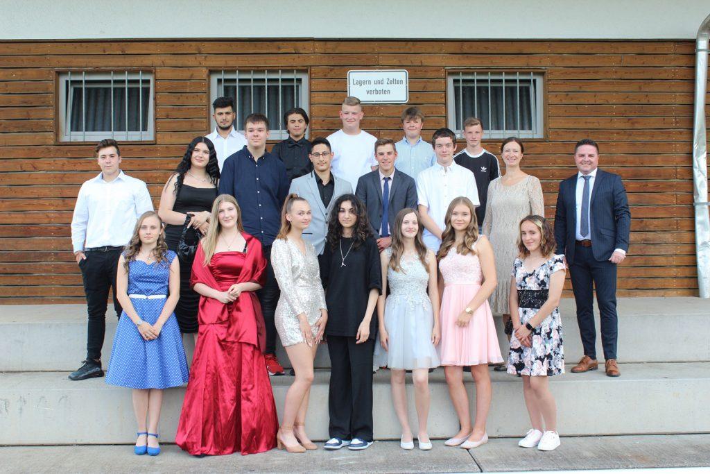 Foto der Abschlussklasse 10 aus dem Schuljahr 2020-2021